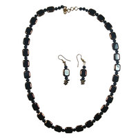 Get Fabulous Look With Dark Brown Necklace And Earrings
