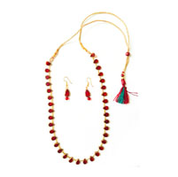 Necklace with heart shaped wine red beads