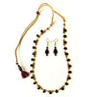 Necklace with heart shaped black color beads