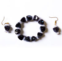 Black Bracelet with Earrings (2 Nos)